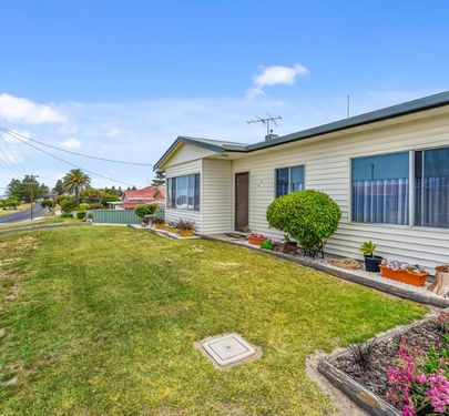45 Railway Terrace, Beachport