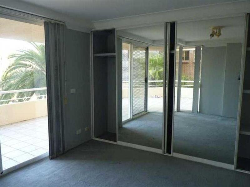 3 / 5-7 Campbell Street, Parramatta