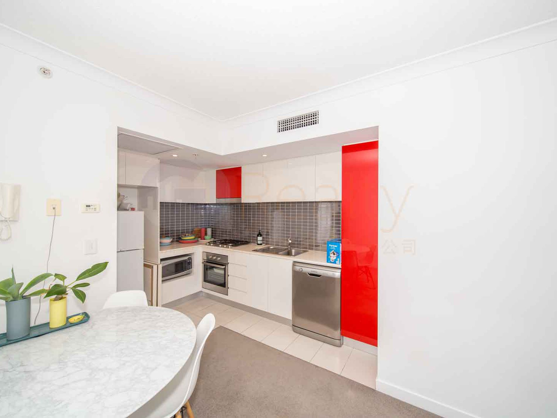 21102 / 56  SCARBOROUGH STREET, Southport