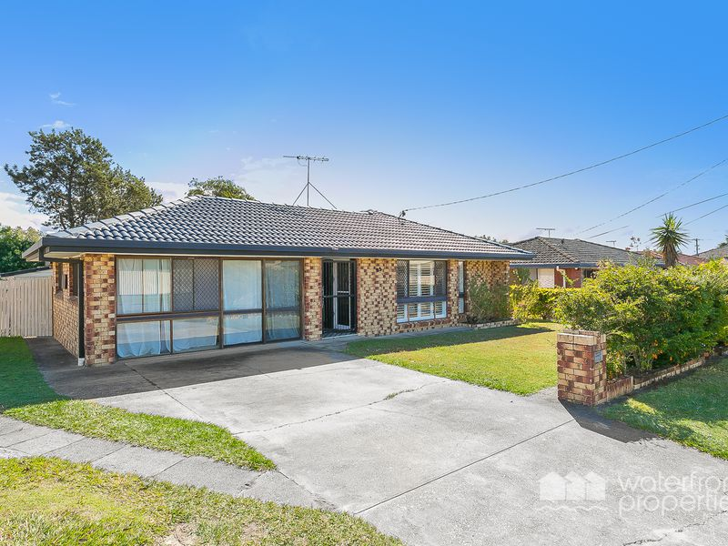 33 Pinewood Street, Redcliffe