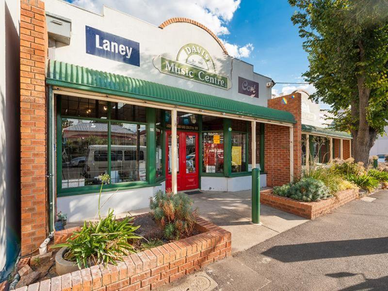 27-35 Byron Street, Footscray