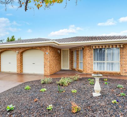 13 EMPEROR AVENUE, Golden Grove