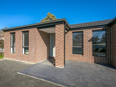 2 / 23 Reynolds Grove, Romsey