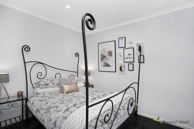 2 / 178 Parer Road, Airport West