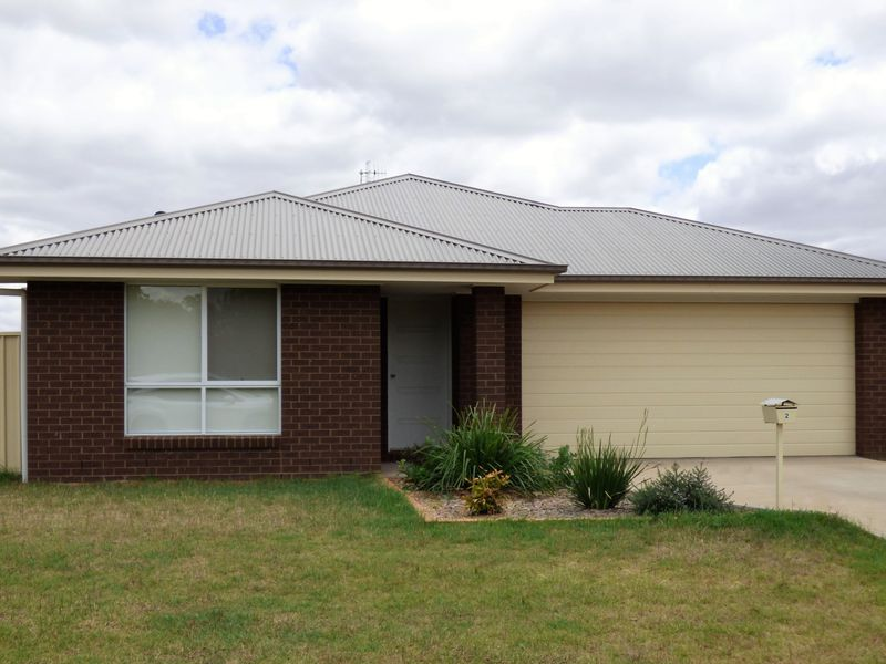 2 Zirilli Avenue, Griffith