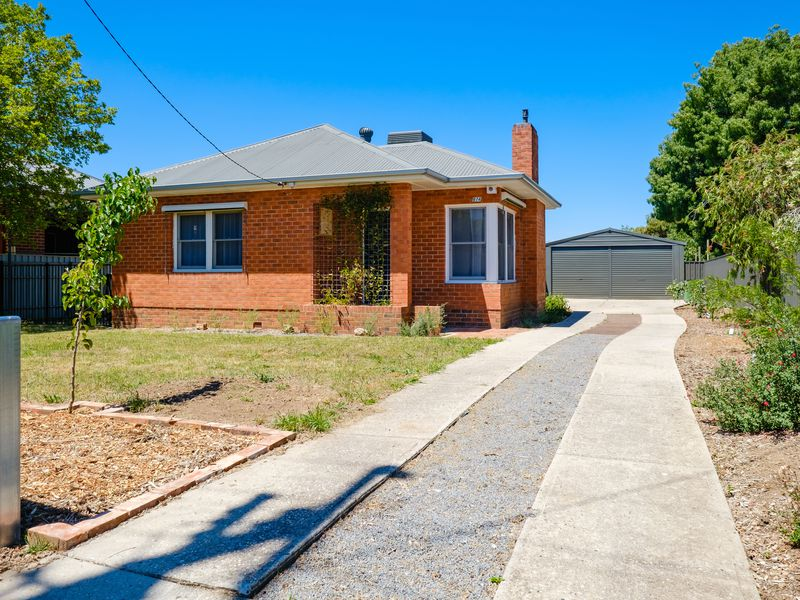 974 SYLVANIA AVENUE, North Albury