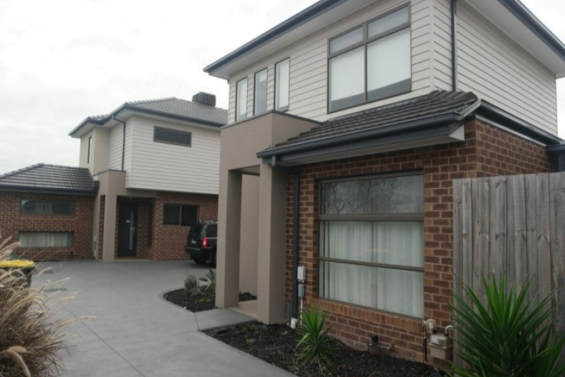 2 / 182 Parer Road, Airport West