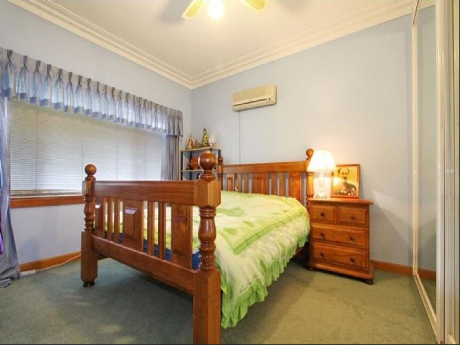 121 Robsons Road, West Wollongong