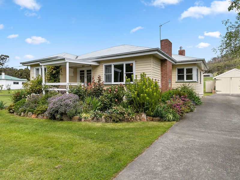 987 Woodbridge Hill Road, Gardners Bay
