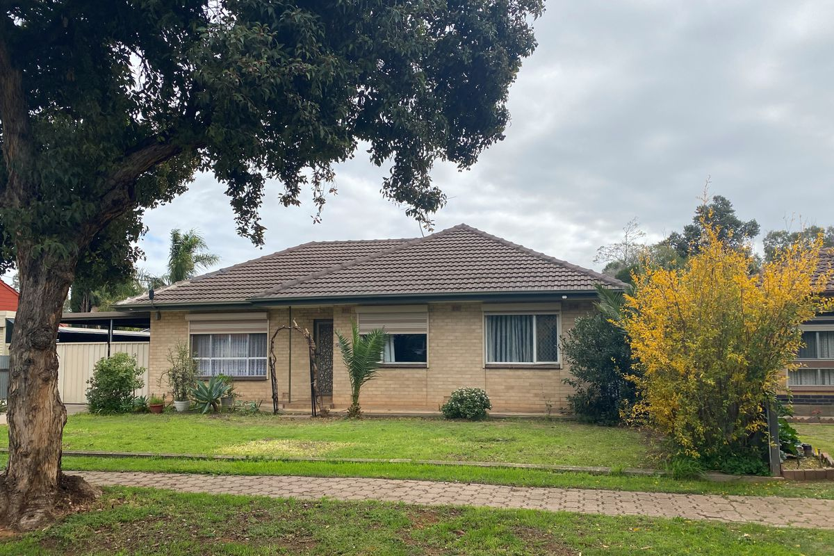 3 Bedroom home with 2 split system's and a Large Rumpus Room