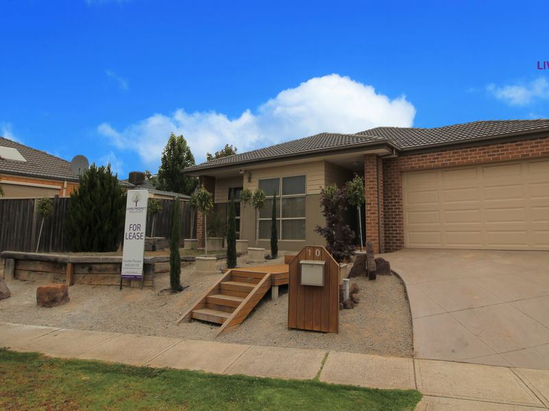 10 Oceanwave Parade, Point Cook
