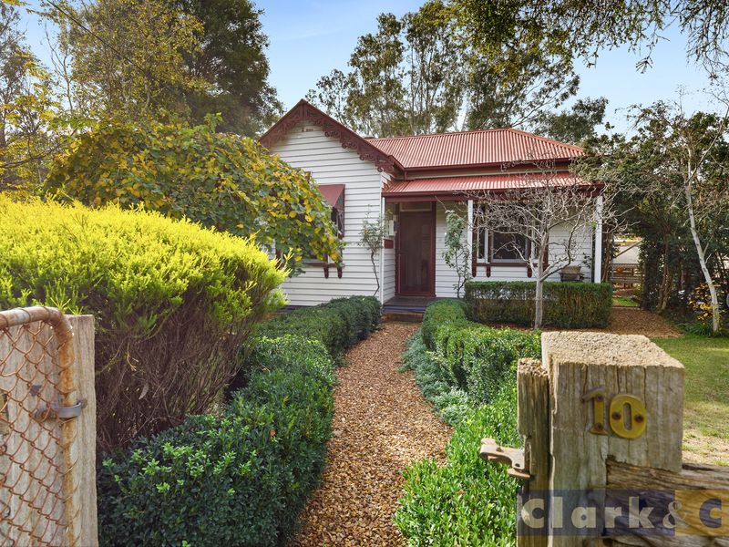 10 Young Street, Bonnie Doon