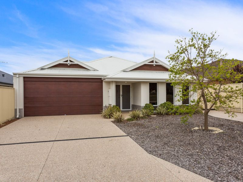 54 Putting Green, Maddington