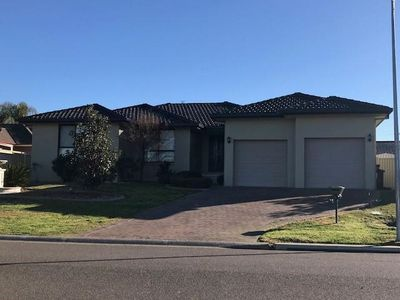 12 Merrinee Place, Tamworth