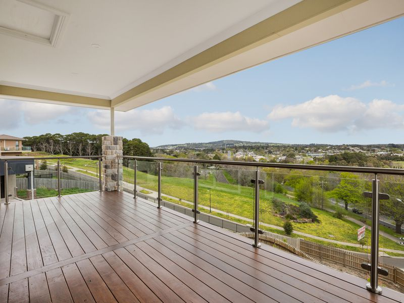 7 The Boomerang, Gisborne