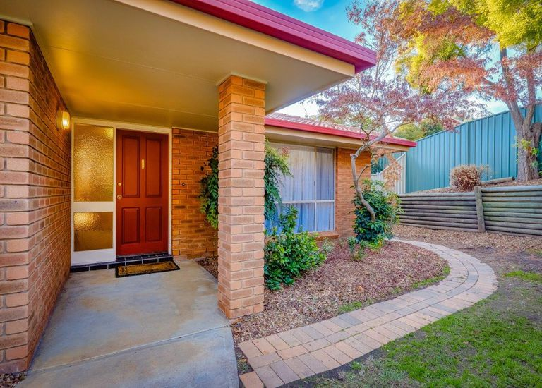 84 Sunset Drive, West Albury