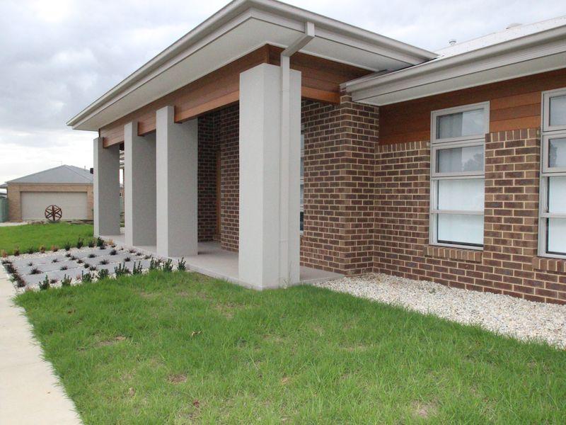 44 KELLIHER AVENUE, Wodonga