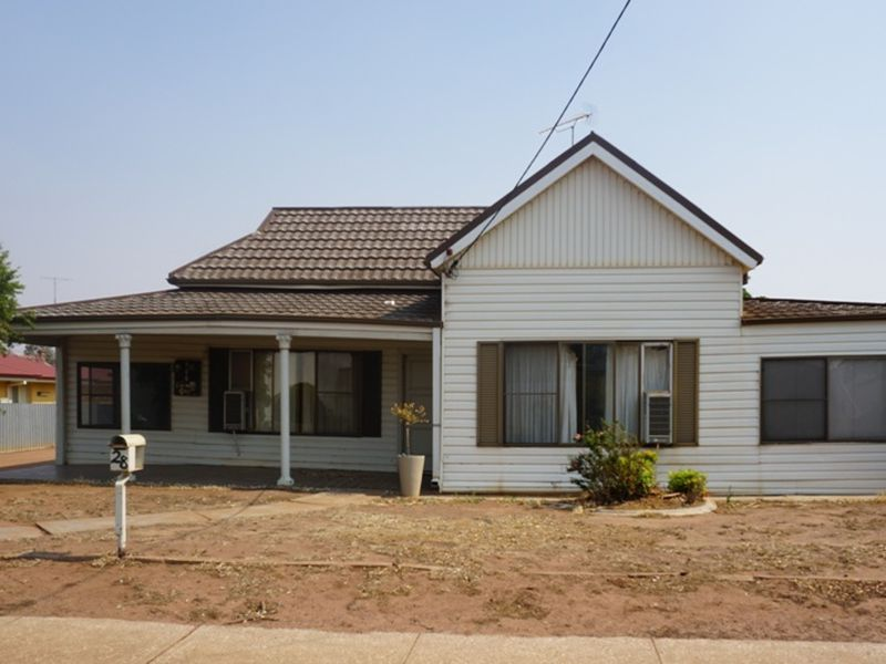 28 Shire Street, West Wyalong