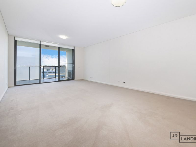 704 / 7 Stromboli Strait, Wentworth Point
