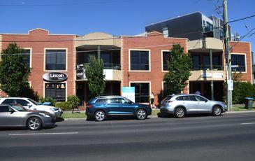 74A Lincoln Rd, Essendon