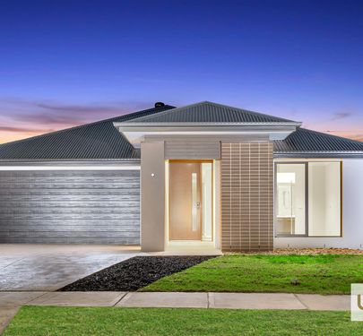 6 SAVAGE WAY, Clyde North