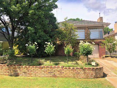 756 Fellowes Crescent, Albury