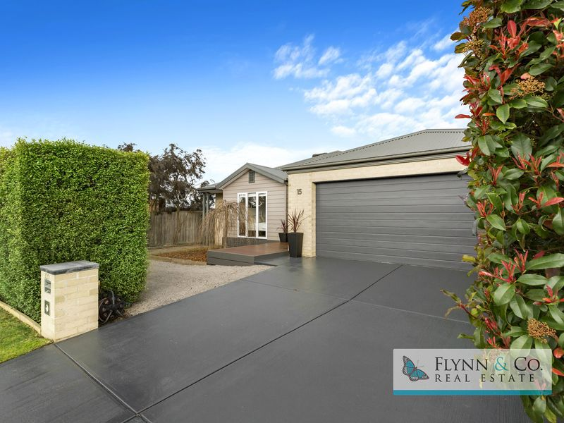 15 Forshaw Court, Rosebud