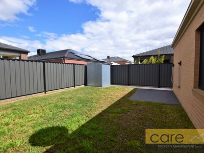 12 Marblelight Way, Clyde North