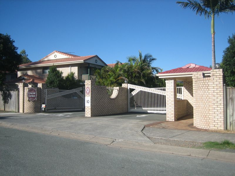 9 Lawrence Close, Robertson
