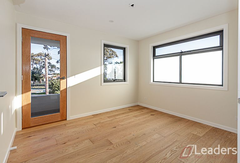 1/1 Thompson Street, Clayton