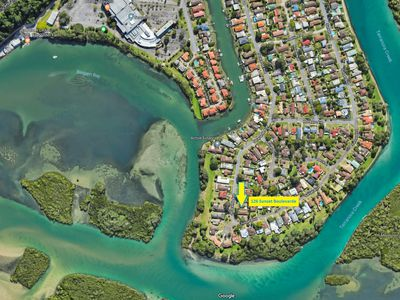 126 Sunset Boulevard, Tweed Heads West