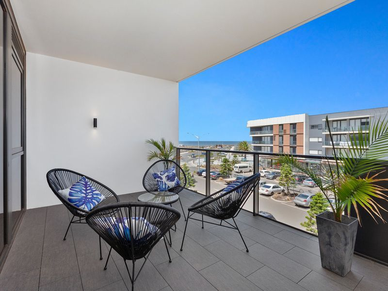 229 / 33 Quay Boulevard, Werribee South