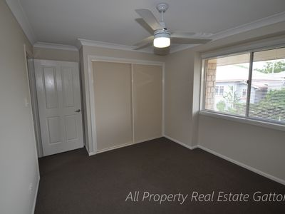 2 / 18 East Street, Gatton