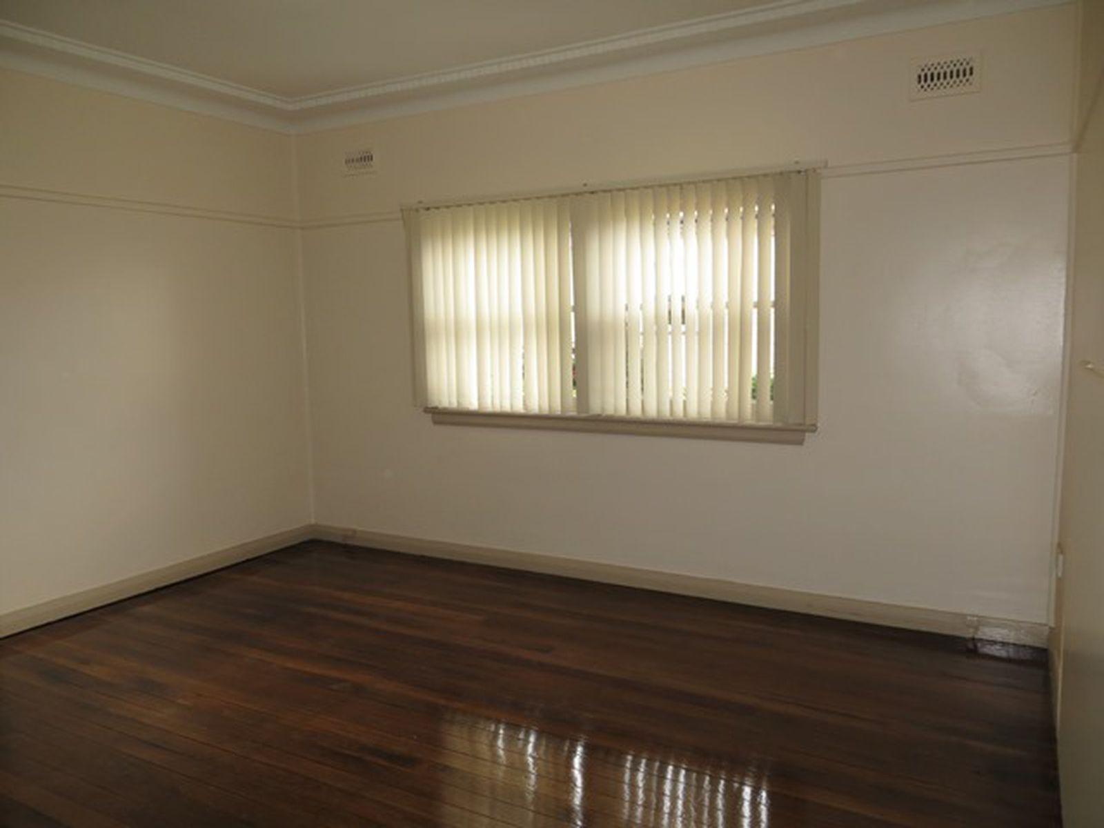 1B Denison Street, Wollongong