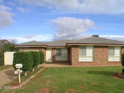 4 Evanside Parade, Griffith
