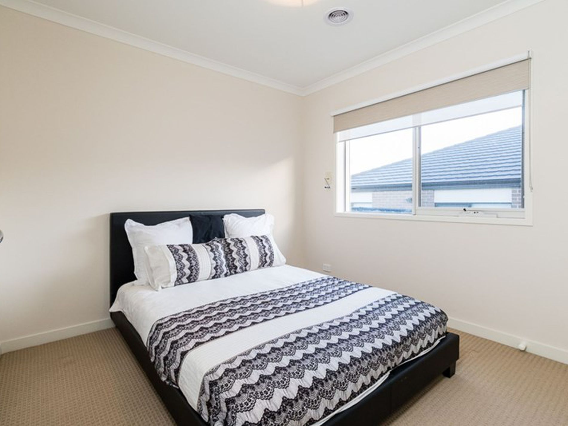 24 Yearling Crescent, Clyde North