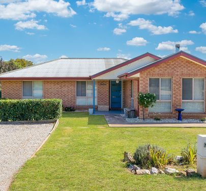 19 Castle Street, Molong