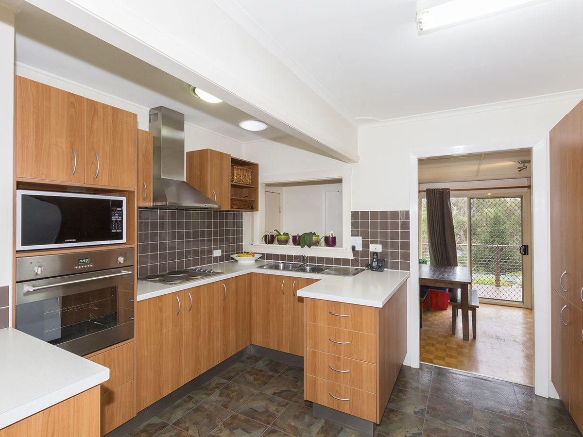 24 St Georges Crescent, Faulconbridge