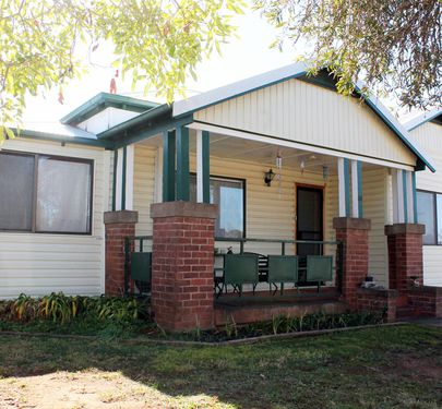39 Wellington Street, Molong