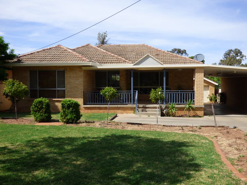 12 Wood Road, Griffith