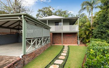 104A Russell Terrace, Indooroopilly