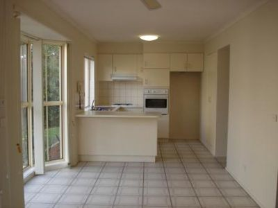 7 / 16 Thompson Road, Patterson Lakes