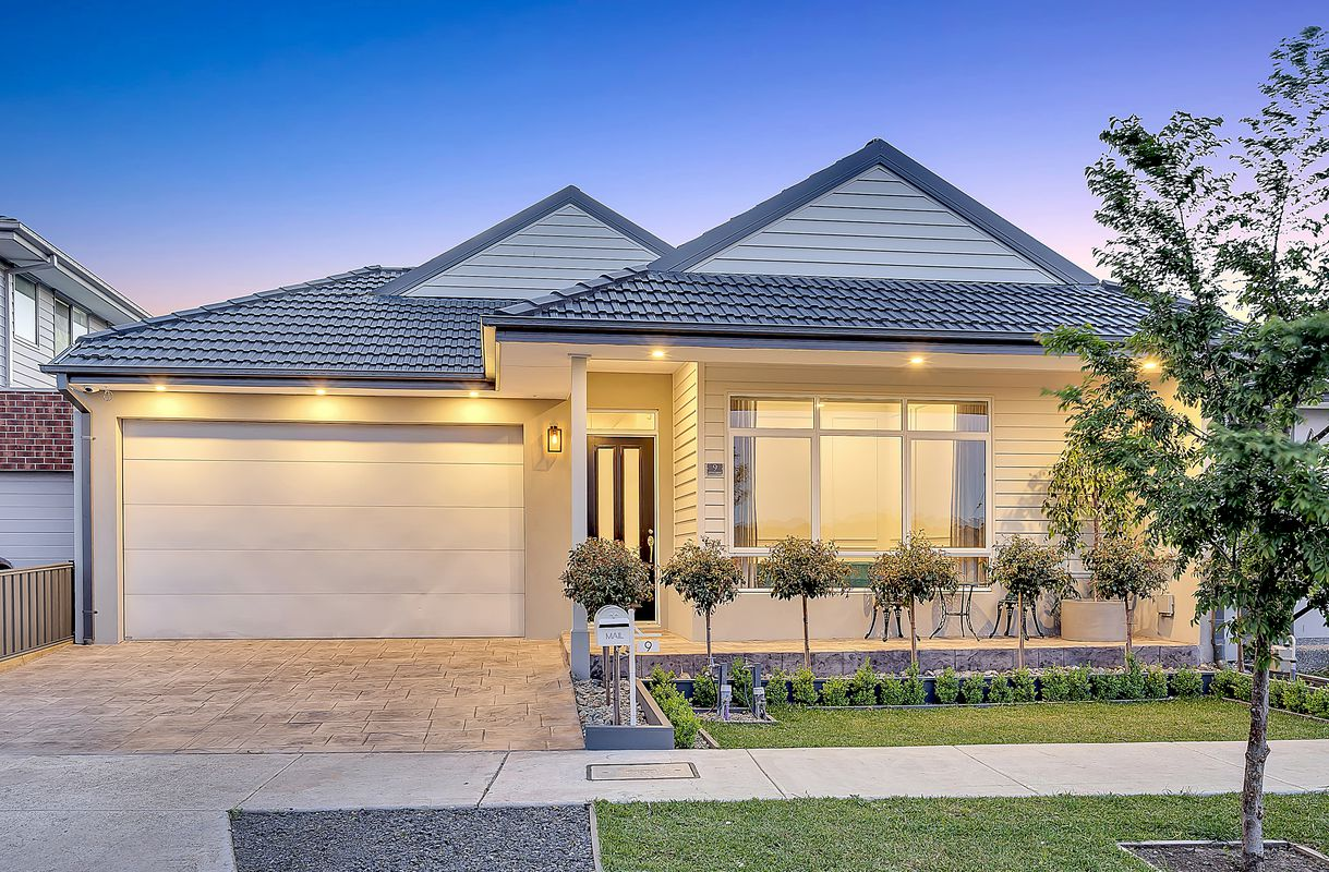 9 Luster Circuit, Greenvale
