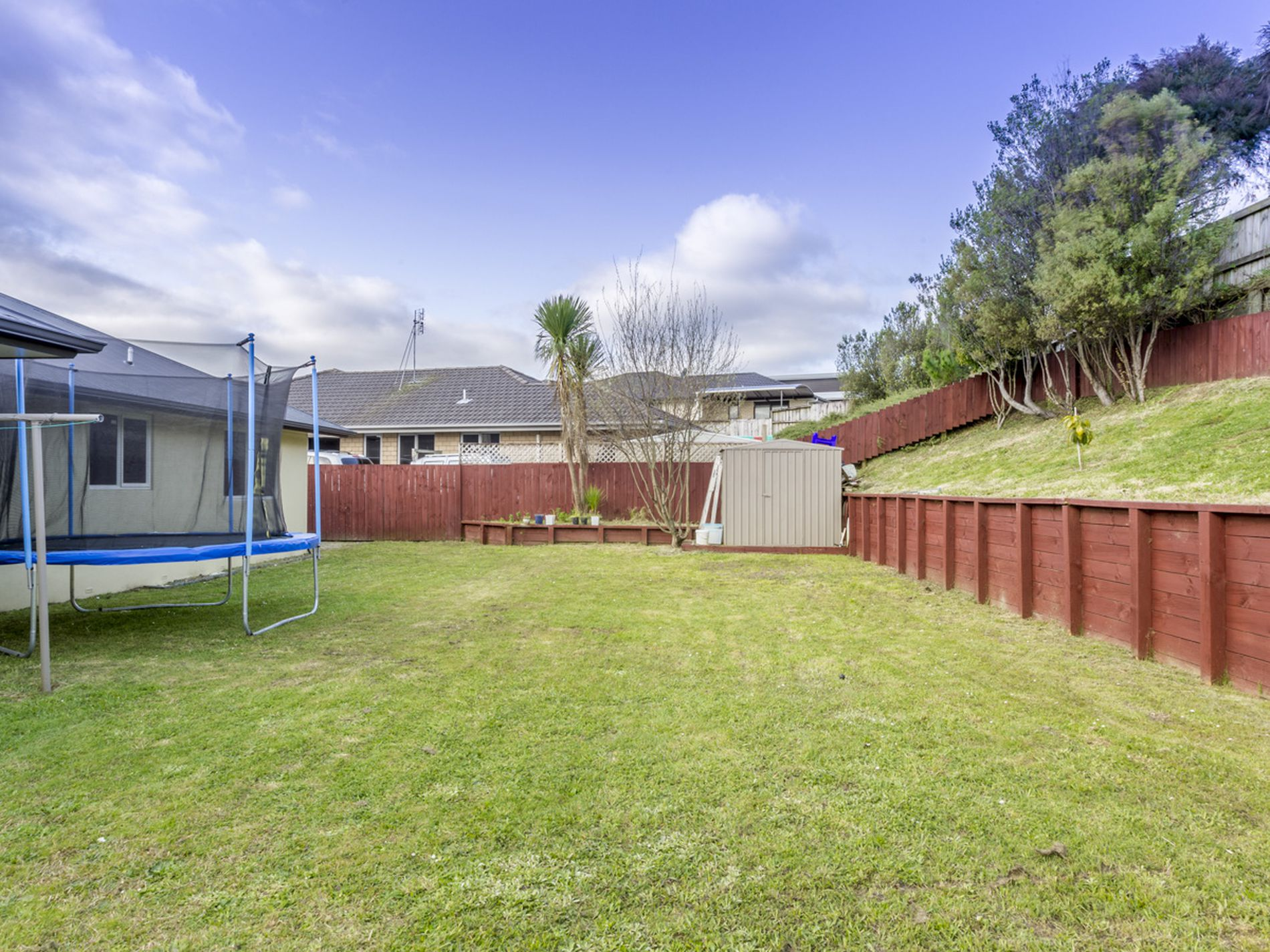 6 Raddington Way, Huntington