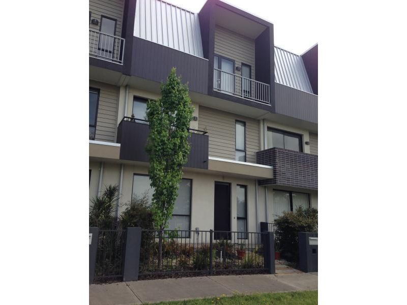 10 McDougall Drive, Footscray