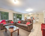 2 / 24 Faraday Crescent, Pacific Pines
