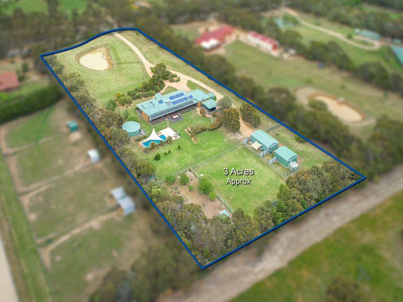 77 Billabong Drive, Monegeetta