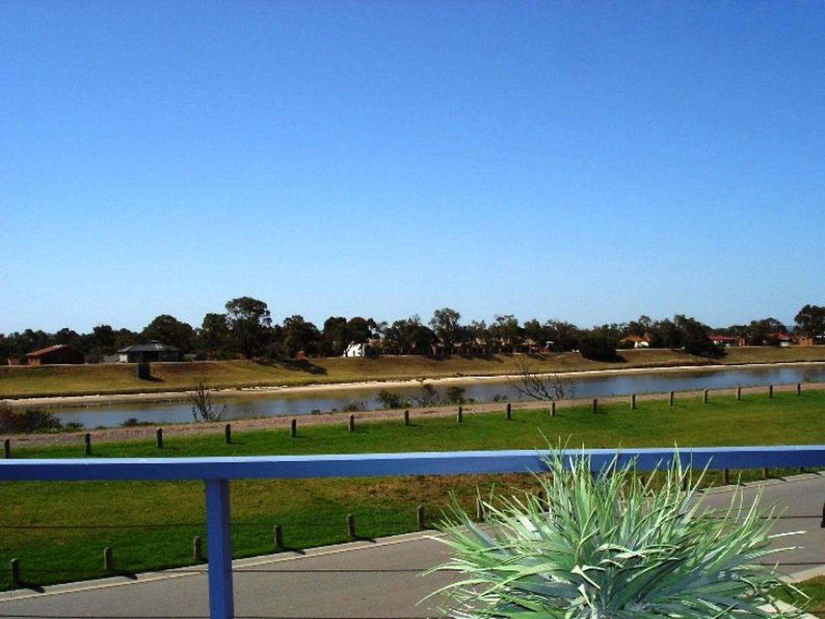 37B Harbour Drive, Patterson Lakes
