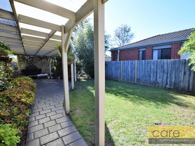 7 Lowther Court, Cranbourne North