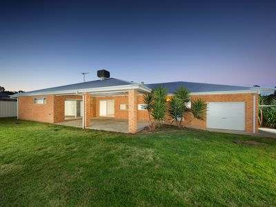 6 CADDY COURT, Wodonga